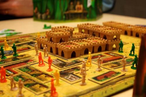 Arkadia-peli käynnissä