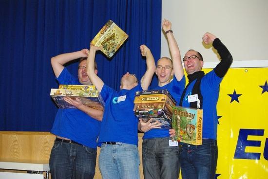 Suomen Caballerot tuulettavat voitokkaan suorituksen jälkeen. Kuva: EuropeMasters