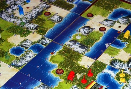 Pelaajien joukkoja kartalla