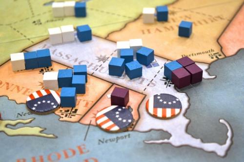 Vahva keskittymä Yhdysvaltojen joukkoja. Kuva: Chris Norwood / BGG