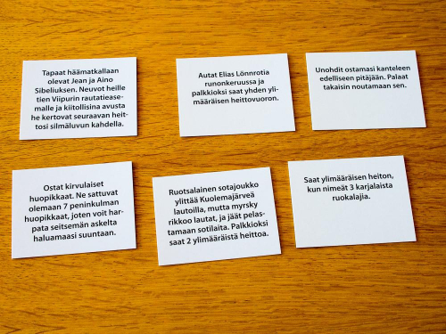 Kortit ovat ulkoasultaan varsin pelkistettyjä. Kuva: Mikko Saari