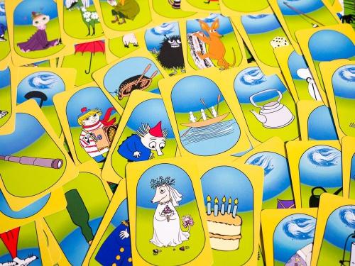 Muumi Viidakkoseikkailun kortteja. Kuva: Mikko Saari
