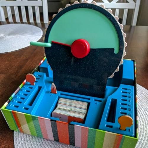 Wavelengthin laatikko ja siinä häkkyrä.