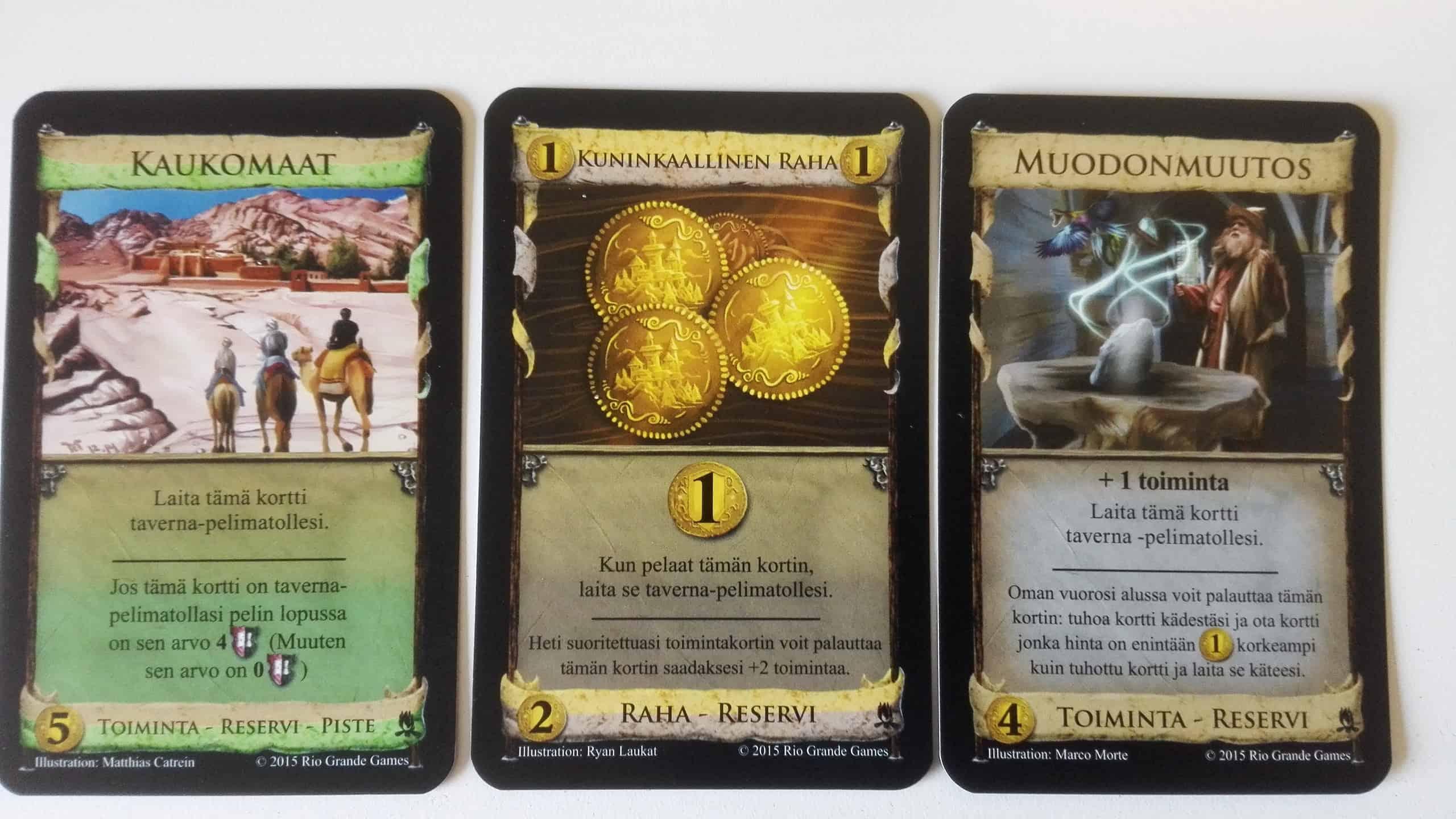 Kolme erilaista reservikorttia: Kaukomaat, Kuninkaallinen raha ja Muodonmuutos